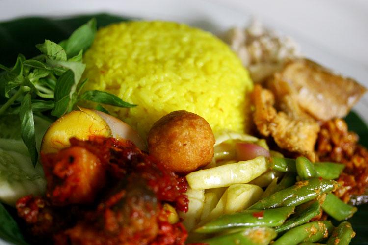 10 makanan tradisional Indonesia yang terkenal di Dunia
